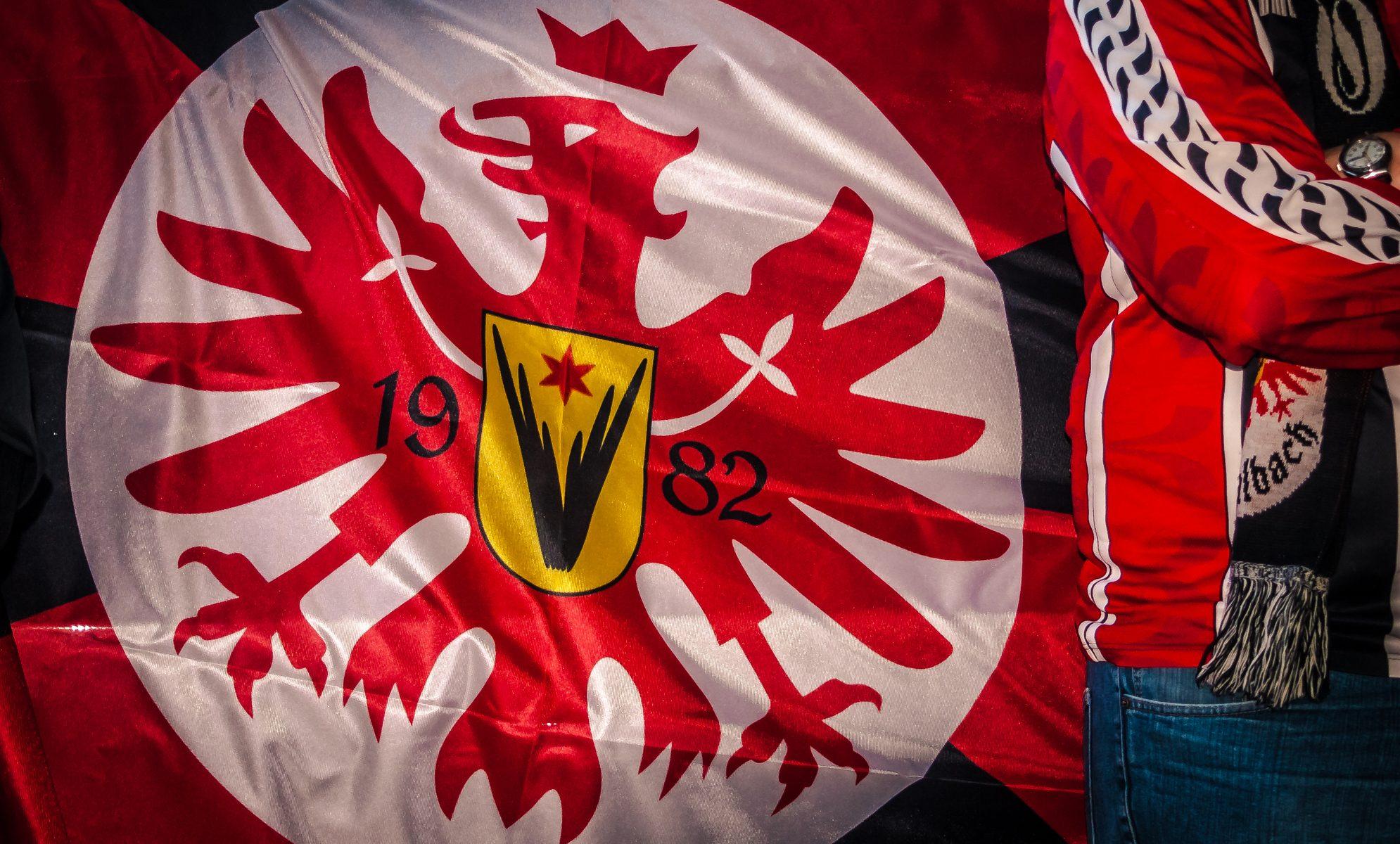 Eintracht Frankfurt EFC Fahne @www.highlanderTV.eu